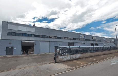 Fachada Nave industrial en Sant Feliu